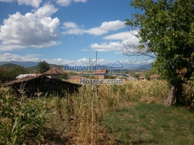 11805:21 - Thoroughly renovated and furnished rural house near Montana