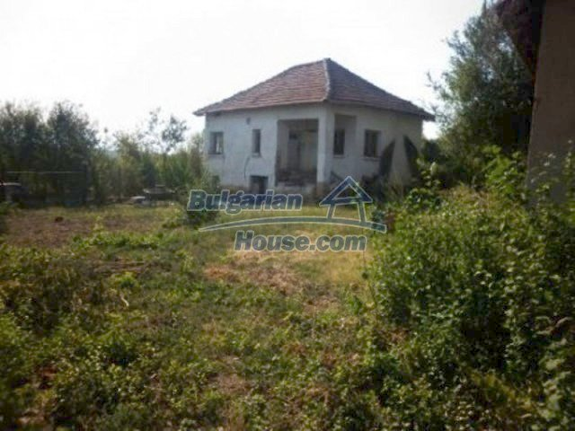 11809:1 - Rural house with a large garden at reduced price - Vratsa