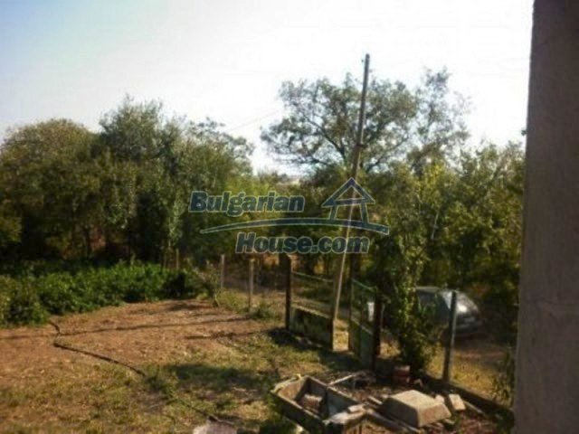 11809:6 - Rural house with a large garden at reduced price - Vratsa