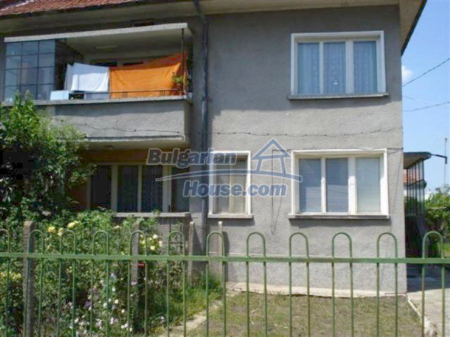 11813:2 - Ground floor with furniture and sunny garden in Elhovo