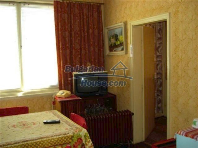 11813:12 - Ground floor with furniture and sunny garden in Elhovo