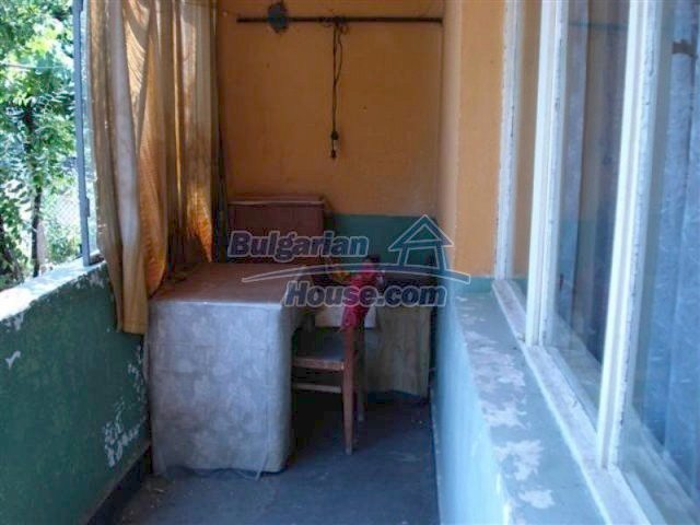 11813:14 - Ground floor with furniture and sunny garden in Elhovo