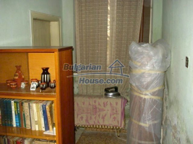 11816:12 - Spacious nice family house in Elhovo town