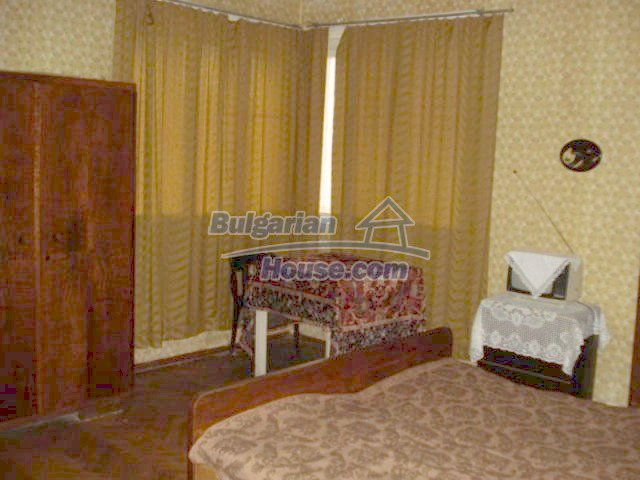 11816:8 - Spacious nice family house in Elhovo town