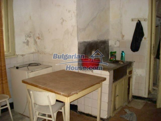 11816:9 - Spacious nice family house in Elhovo town