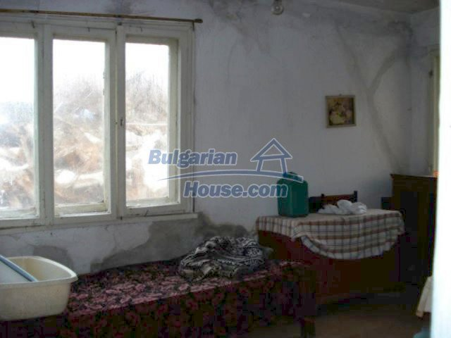 11816:10 - Spacious nice family house in Elhovo town
