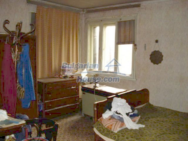 11816:15 - Spacious nice family house in Elhovo town