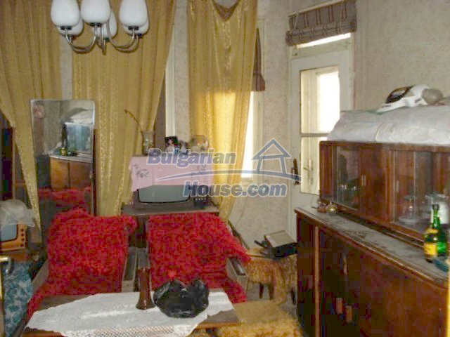 11816:17 - Spacious nice family house in Elhovo town
