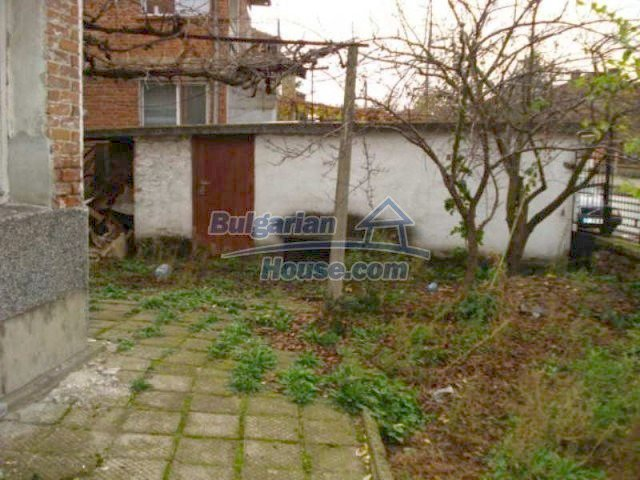11816:22 - Spacious nice family house in Elhovo town