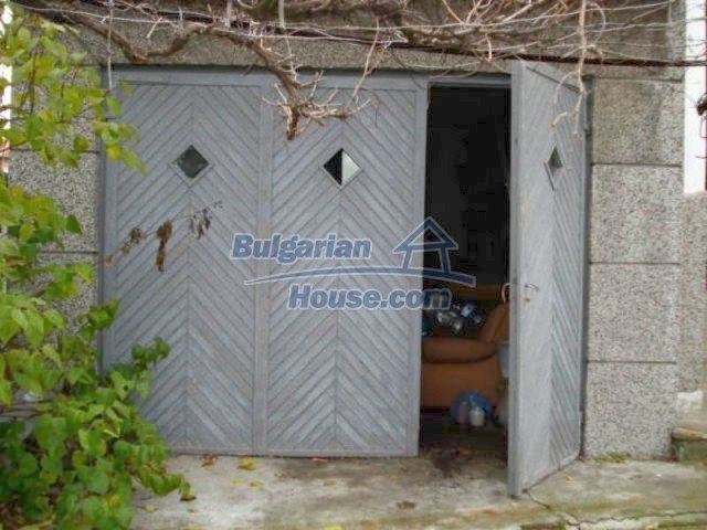 11816:24 - Spacious nice family house in Elhovo town