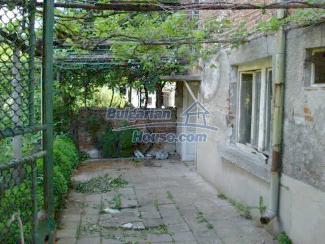 11817:2 - Cheap house near the town center of Elhovo – nice surroundings