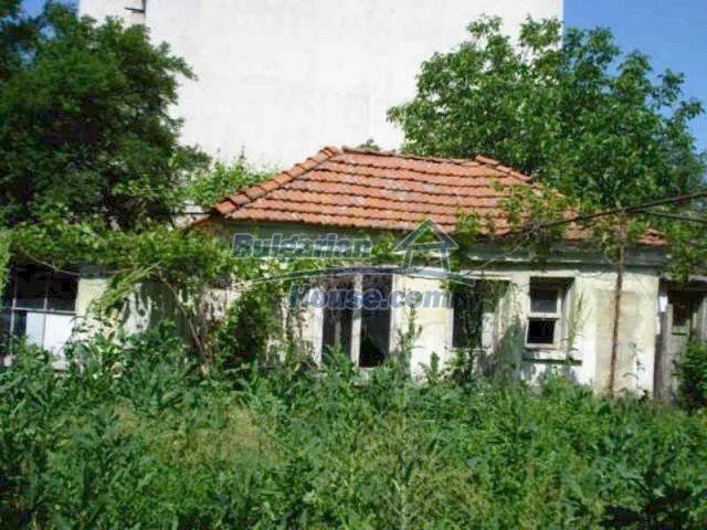 11817:5 - Cheap house near the town center of Elhovo – nice surroundings