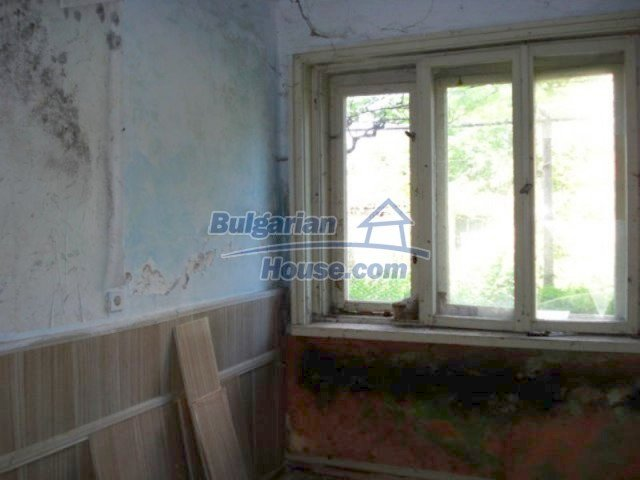 11817:7 - Cheap house near the town center of Elhovo – nice surroundings