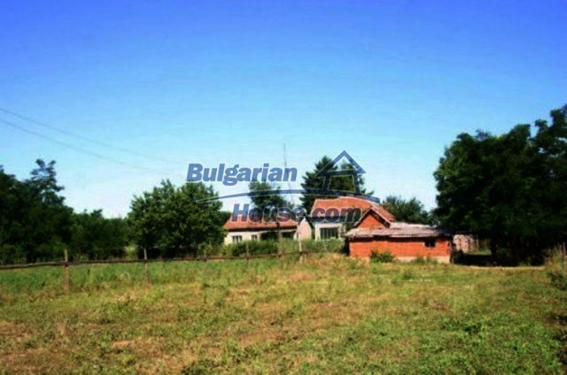 11829:2 - Two lovely rural houses with a vast garden near Vratsa