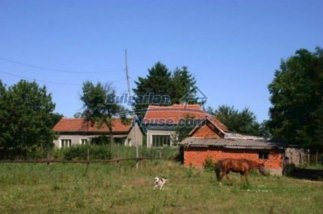 11829:5 - Two lovely rural houses with a vast garden near Vratsa
