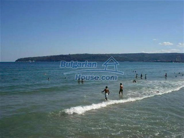 11833:9 - New fully furnished and convenient seaside apartment in Varna