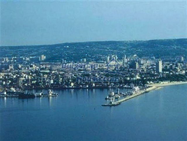 11833:16 - New fully furnished and convenient seaside apartment in Varna