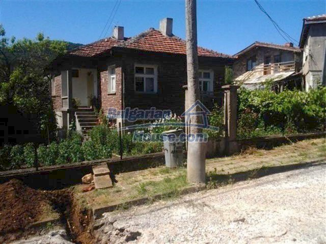 11835:1 - Cheap solid house in Malko Turnovo – lovely landscapes
