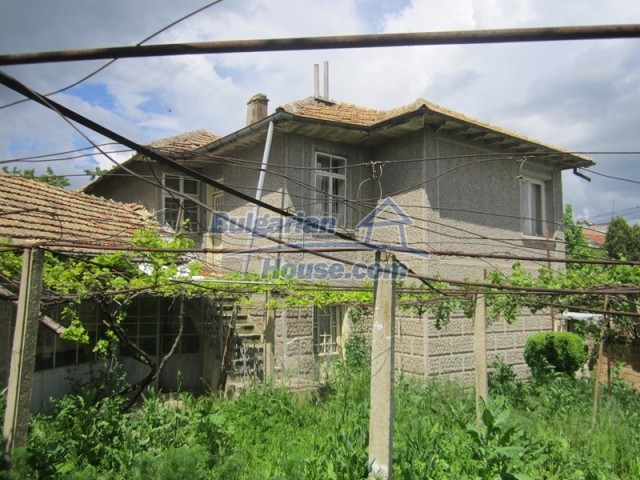 11838:14 - Spacious house in the pretty village of Voditsa, Popovo