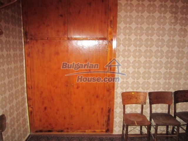 11838:24 - Spacious house in the pretty village of Voditsa, Popovo