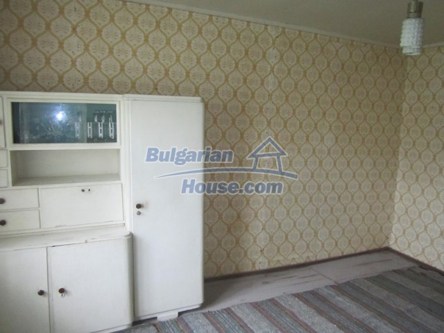11838:33 - Spacious house in the pretty village of Voditsa, Popovo
