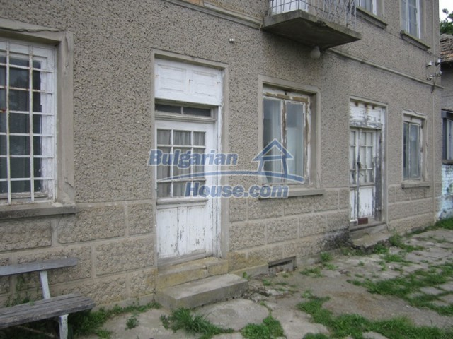 11838:44 - Spacious house in the pretty village of Voditsa, Popovo