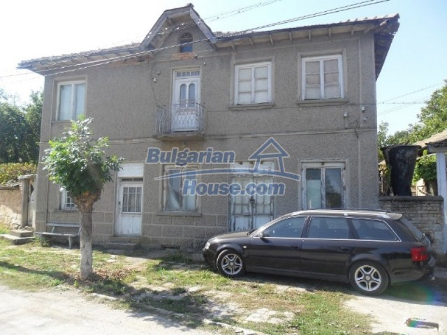 11838:47 - Spacious house in the pretty village of Voditsa, Popovo