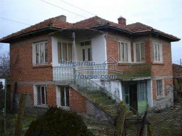 11853:1 - Beautiful massive house with a garden 7 km from Elhovo