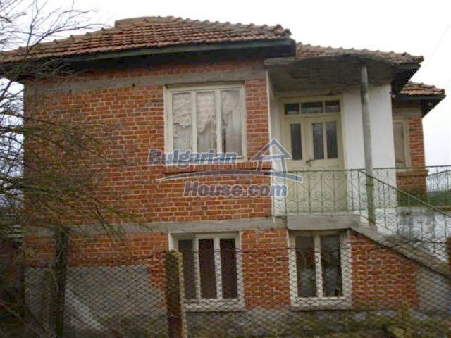 11853:2 - Beautiful massive house with a garden 7 km from Elhovo