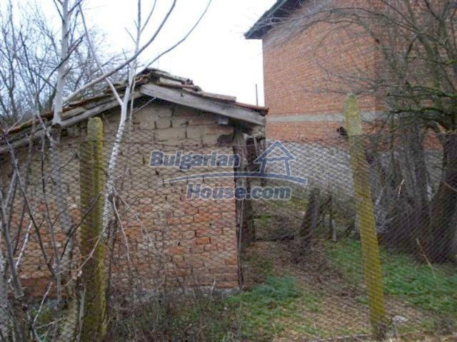 11853:5 - Beautiful massive house with a garden 7 km from Elhovo