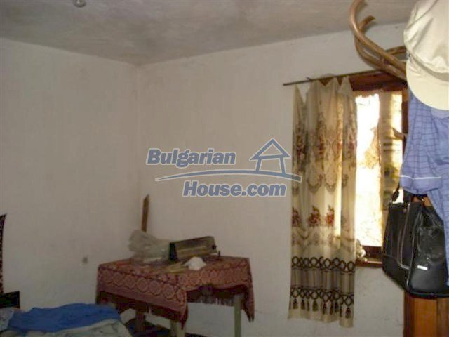 11853:11 - Beautiful massive house with a garden 7 km from Elhovo