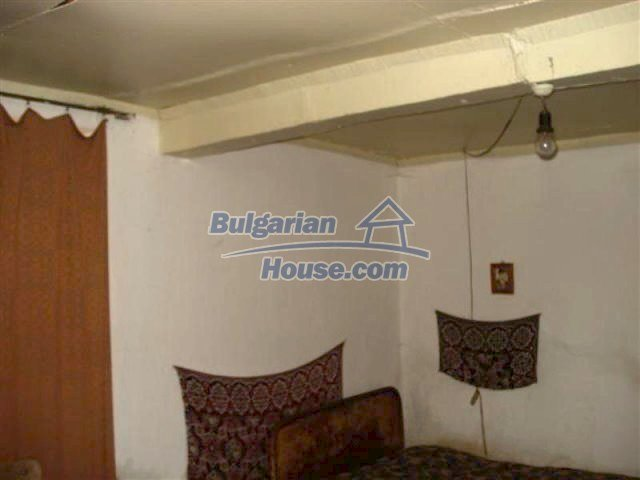 11853:7 - Beautiful massive house with a garden 7 km from Elhovo