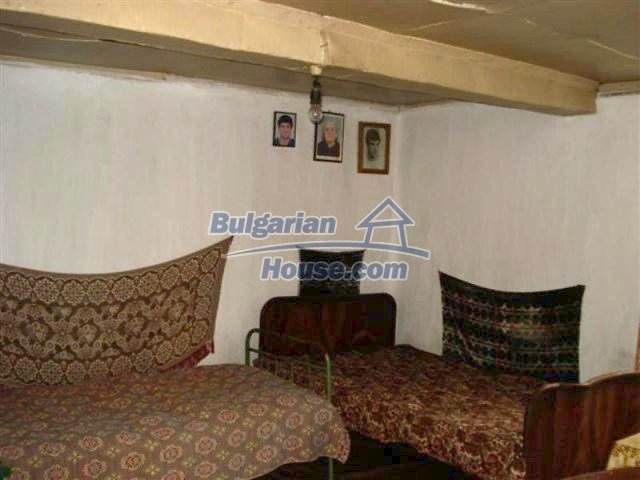 11853:8 - Beautiful massive house with a garden 7 km from Elhovo