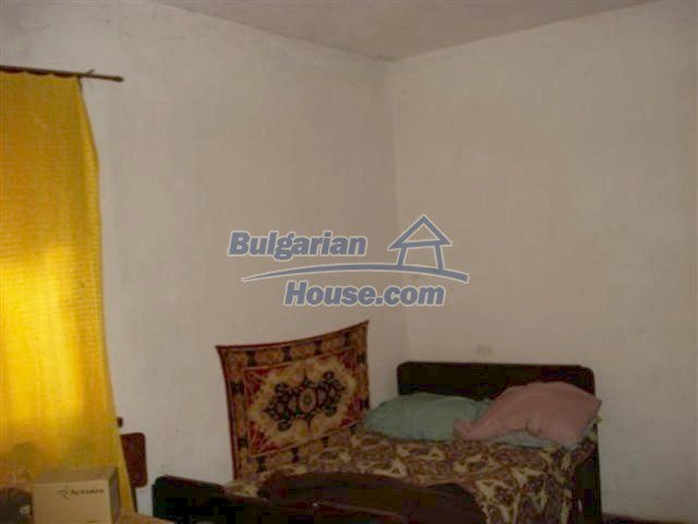 11853:10 - Beautiful massive house with a garden 7 km from Elhovo