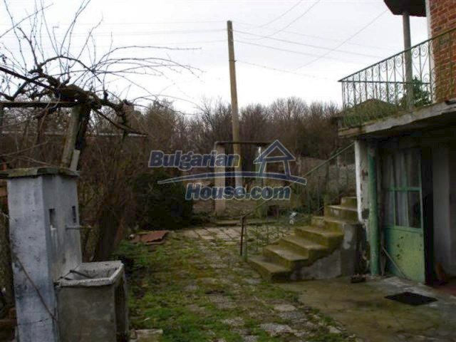 11853:18 - Beautiful massive house with a garden 7 km from Elhovo