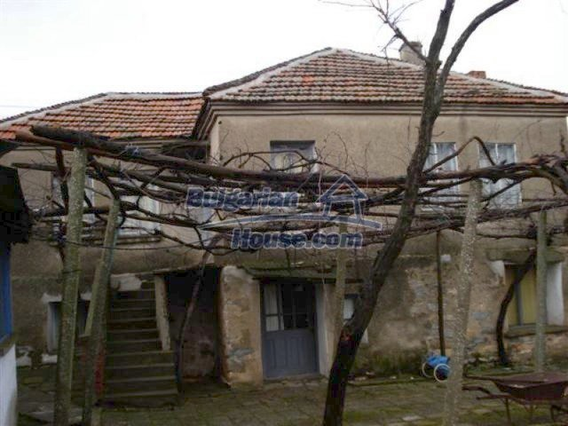 11854:1 - Two-storey house with garden in the lovely village of Lesovo