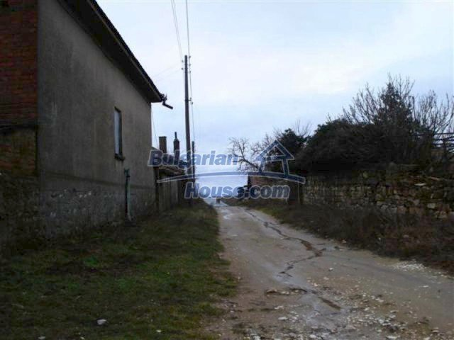 11854:16 - Two-storey house with garden in the lovely village of Lesovo
