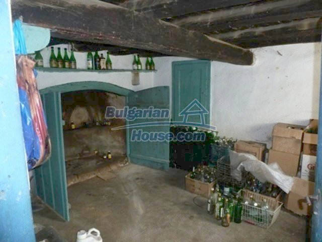 11877:7 - Compact sunny house with nice garden near Veliko Turnovo