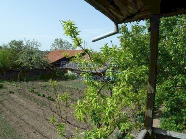 11877:8 - Compact sunny house with nice garden near Veliko Turnovo