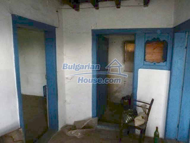 11877:9 - Compact sunny house with nice garden near Veliko Turnovo