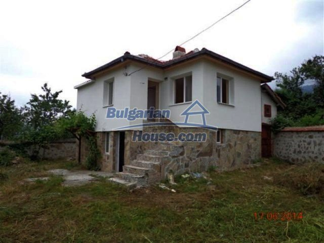 11879:1 - Lovely renovated house 30 km away from Stara Zagora