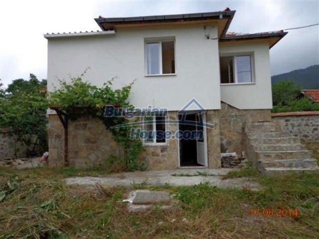 11879:2 - Lovely renovated house 30 km away from Stara Zagora