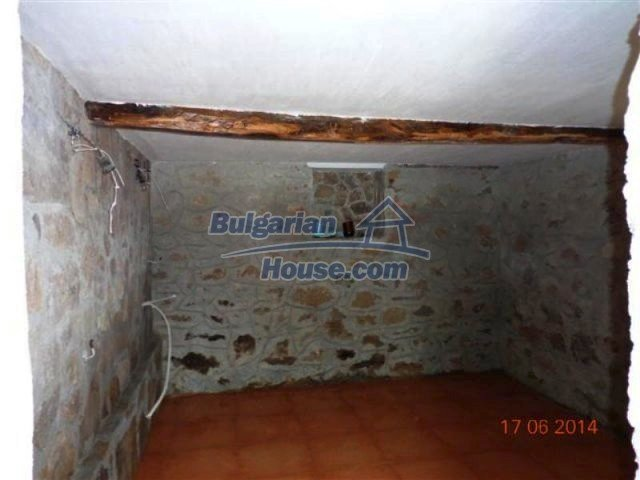 11879:16 - Lovely renovated house 30 km away from Stara Zagora
