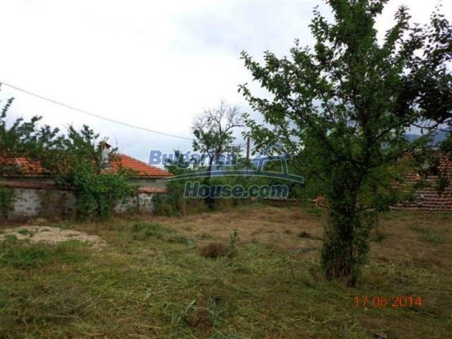 11879:22 - Lovely renovated house 30 km away from Stara Zagora