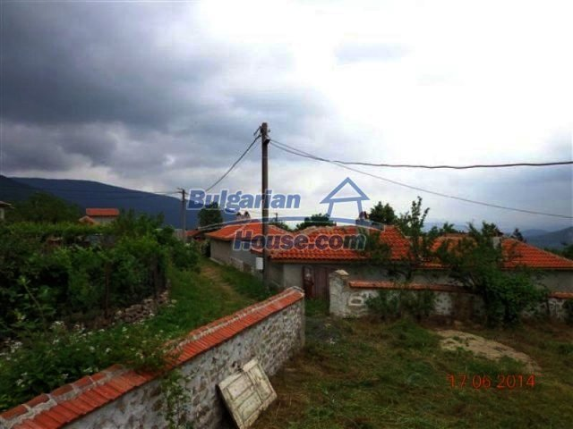 11879:24 - Lovely renovated house 30 km away from Stara Zagora