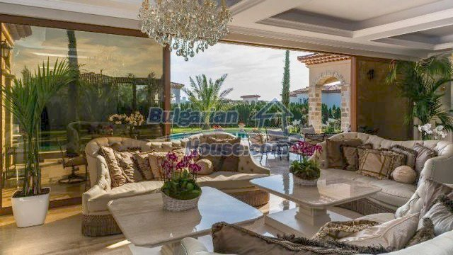 11882:9 - Marvelous top class seaside house near Sunny Beach