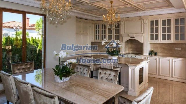 11882:10 - Marvelous top class seaside house near Sunny Beach