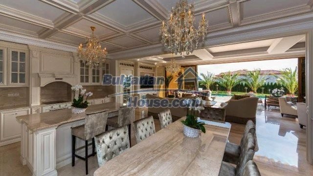 11882:11 - Marvelous top class seaside house near Sunny Beach