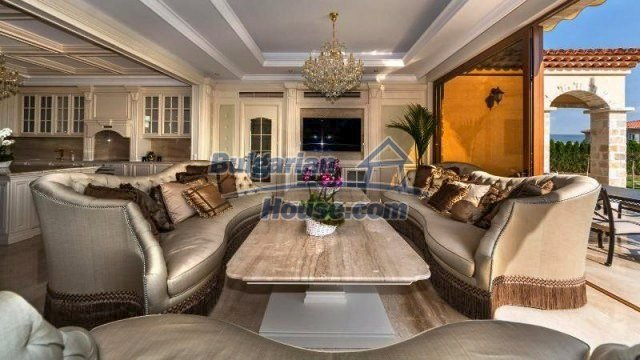 11882:13 - Marvelous top class seaside house near Sunny Beach