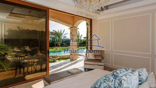 11882:15 - Marvelous top class seaside house near Sunny Beach